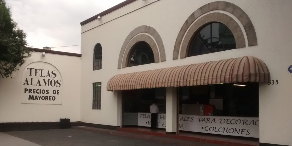 Fachada de tienda de telas Alamos, Calzada de Tlalpan. CDMX